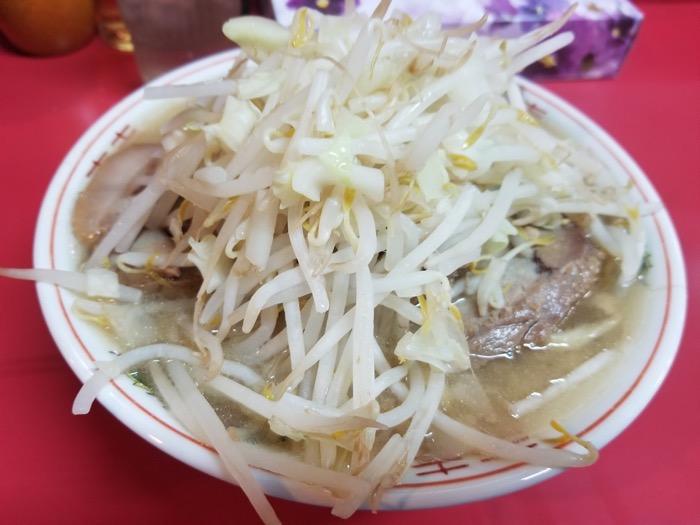 ラーメン麺徳の豚入りラーメン